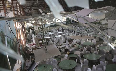 Rafiq Maqbool/AP/TT Lokalen där dådet på bröllopsfesten inträffade.