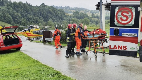 Bartlomiej Jurecki/AP/TT Flera personer har omkommit i ett blixtrande oväder i Tatrabergen.