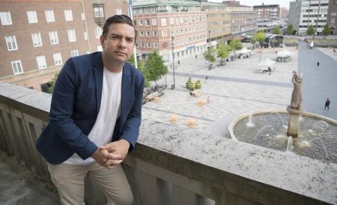 Fredrik Sandberg/TT Jimmy Jansson, kommunstyrelsens ordförande i Eskilstuna, vill begränsa tiggeriet i staden.
