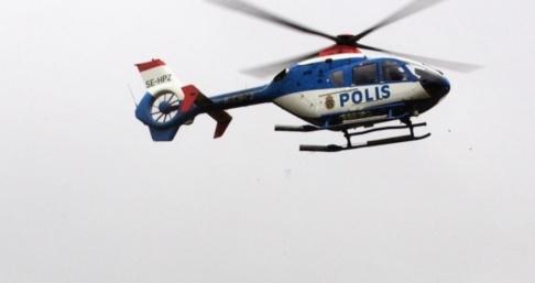 BJÖRN LARSSON ROSVALL Polisen sökte efter gärningsmännen med bland annat hjälp av helikopter. Arkivbild.
