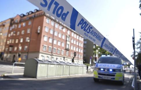 Pontus Lundahl/TT Polisavspärrningar på Norr Mälarstrand på Kungsholmen i Stockholm.