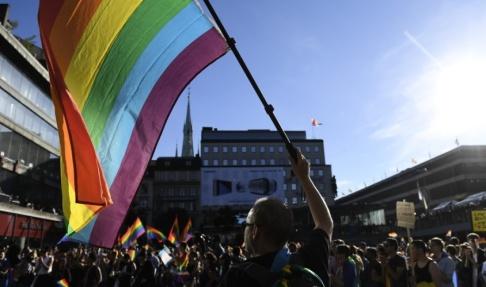 Henrik Montgomery/TT Regeringen vill bland annat stärka hbtq-personers rättigheter. Arkivbild.