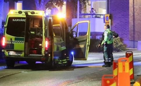 Claus Meyer/TT Ett stort polispådrag pågår i Nacka efter skottlossningar.