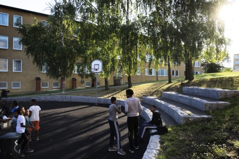 Barn leker på en gård i Rinkeby. Arkivbild. (Loulou d'Aki/The New York Times)