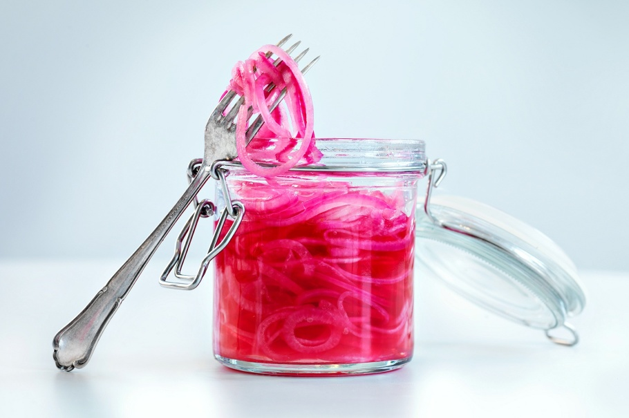 Picklad rödlök-matblogg-på tallriken-foto-fredrik rege