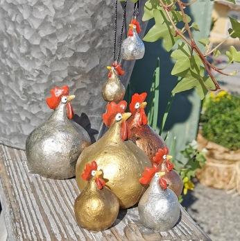 Höna från Nääsgränsgården guld, silver och koppar - Höna liten guld h 5,2 cm