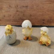 Påskpynt tre gula kycklingar