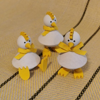 Påskpynt kycklingar i trä - Stående kyckling