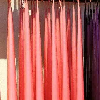 Lackade ljus 100% paraffin färg rosa, lila och cyclamen - Ett ljus färg rosa