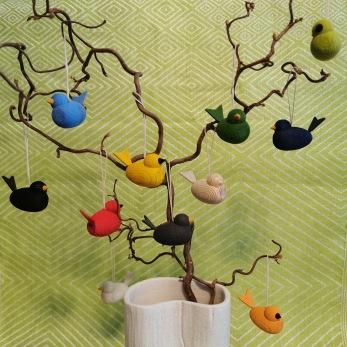 Dekorativa små fåglar hängen - Omålad trä 45 mm