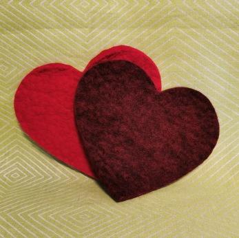 Tovade grytunderlägg - hjärtor - Vinröd