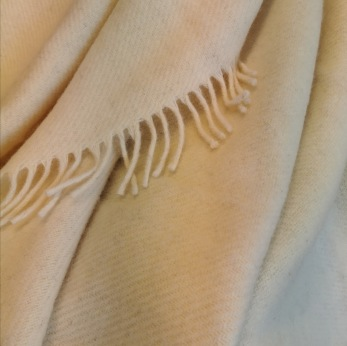 Pläd Gotland natural white, woven wool throw Klippan - Pläd Gotland natural white, woven wool throw Klippan