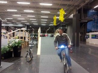 Testcyklare på vår cykelbana på EM-Torget