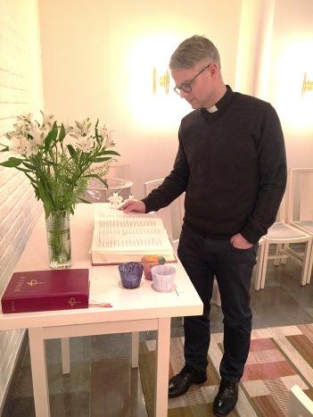 Magnus går gärna till det lilla S:ta Anna-kapellet i S:ta Annagården. Foto: Susann Thorngren