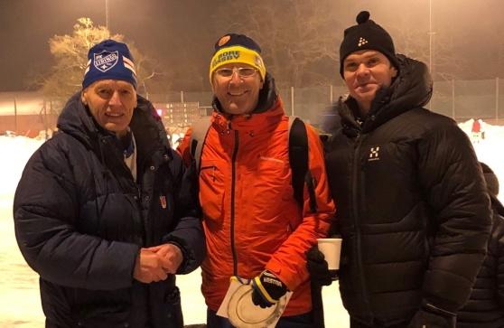 Från vänster Motionspokalens ordförande och huvudledare Lasse Dahlstedt, Johan Zethrin assisterade, och grenledaren Larsa Lindström.