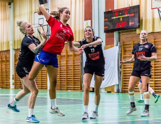 Ebba Suurwee gör 6–7 mot Åkersberga.