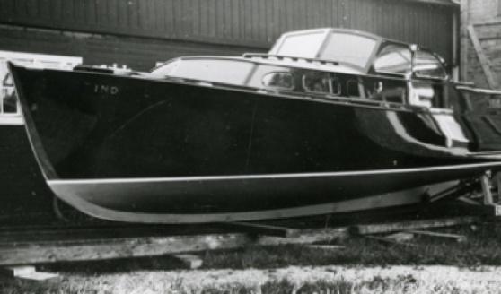 Motorbåten Ind, 9,40 x 2,26, byggdes på Fröbergs varv 1939, konstruktör var CG Pettersson. Foto: Sjöhistoriska museet.