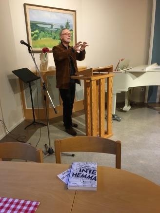 Lennart Hagerfors berättar på Ansgarskyrkan.