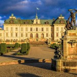 PRIVATE BOAT TRIP TO THE ROYAL CASTLE OF DROTTNINGHOLM