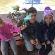 barn med påskris