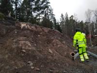 Explosivhund söker efter dolor i gammal sprängbotten- Explosivhund Miljö & Säkerhet Sverige AB