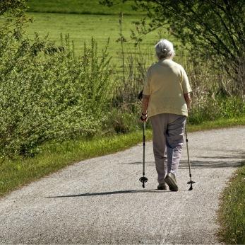 Äldreboende - promenad