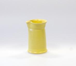 Självklar - handdrejad mjölksnipa gul - H 8,5 cm