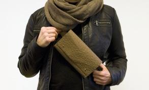 Magväska brun med tryckt dekor -