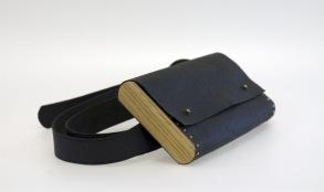 Magväska svart -