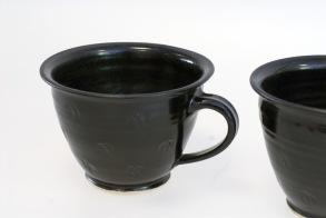 Q - handdrejad kopp svart -