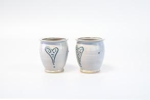 Prickhjärta - handdrejad kopp utan öra -