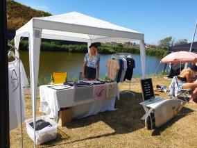 Försäljning av ekologiska produkter på Hallifornia 2019. Surfmärke