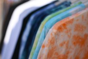Ekologisk t-shirt, batik, tie die, Hallifornia, surfmärke, svenskt klädmärke, streetkläder