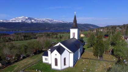 Kalls kyrka. Drönarbild av Per Wiklander
