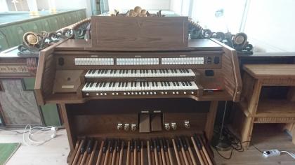 Den digitala orgeln i Klövsjö kyrka. foto Jon Dillner