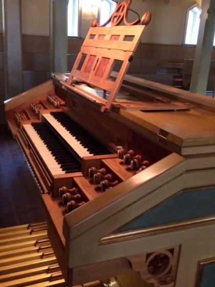 Spelbordet på Tåsjö orgel. foto Margareta Dahlén