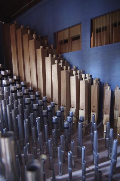 Pipor inne i orgeln