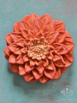 Annie Sloan Chalk Paint™ ger dina betongföremål färg och gör dem levande.