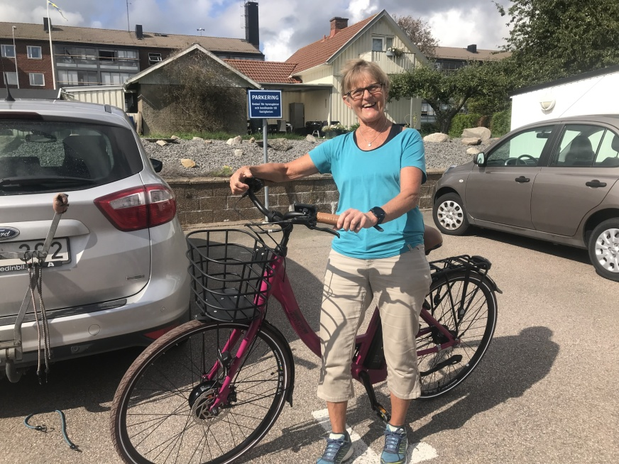 Första pris i Ekomuseets cykeltävling en elcykel vanns av Berit Beckman från Ästad. Cykeln som var skänkt Falkenbergs Sparbank och av Team Sportia i Falkenberg. Grattis säjer vi från Ekomuseet