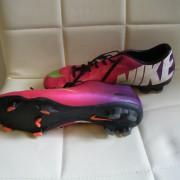 Nike fotbolls skor st 44
