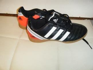 Adidas inomhus sko st 34