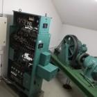 En gammal hiss med gammalt styrsystem