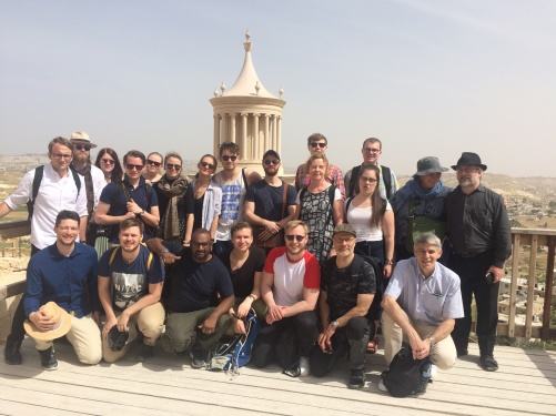 En grupp från Fjellstedtska skolan på besök i Jerusalem 2018.