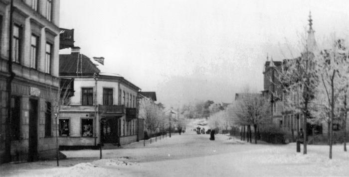 Sturegatan, vinterbild från mitten av 10-talet förra århundradet. Bilden publiceras med tillåtelse från Sundbybergs Museum.