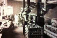 Blåslampstillverkning i C R Nybergs fabrik en bit in på år 1900. Fr.o.m 1906  C R Nybergs Lampfabrik AB.  Max Sievert AB tog över bolaget 1922.