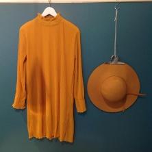 W&E klänning gul m hatt