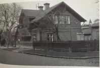 """Första """"stadshuset"""" vid torget. Bild: stadsmuseet."""
