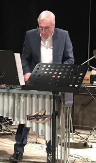 Arne Farell, vibrafon. Bandleader för Arnes Swingsexa.