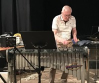 Arne Farell, vibrafon, bandleader.