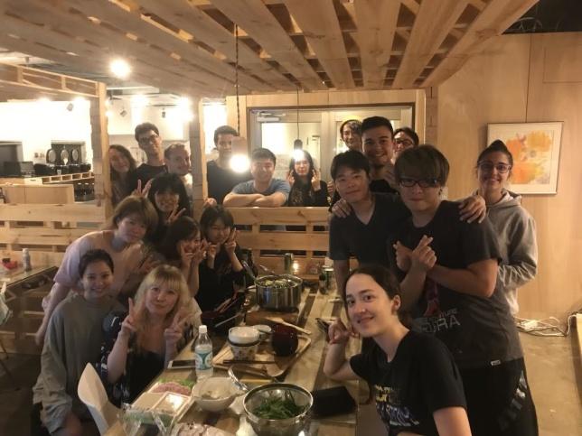 """Ännu en bild på mitt boende. Här hade vi en gemensam middag med japansk mat. Vi gjorde """"Hot Pot"""""""